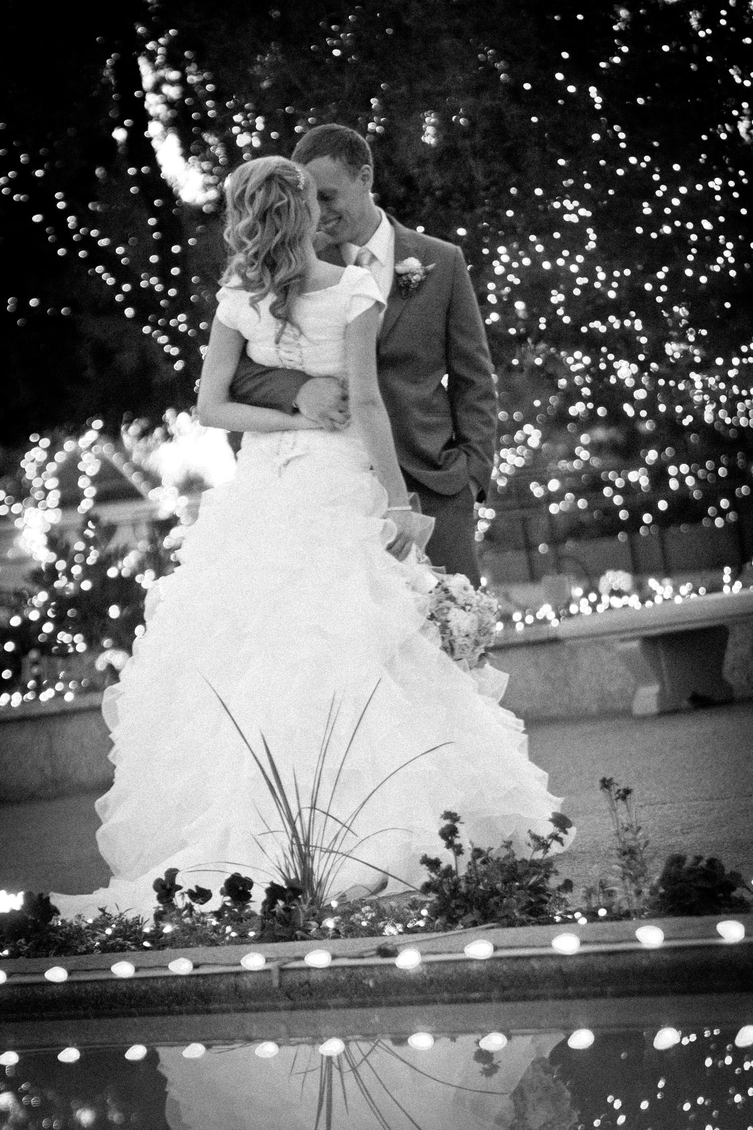 Mesa AZ Wedding Photos Christmas Lights | MormonBride.com Gilbert ...